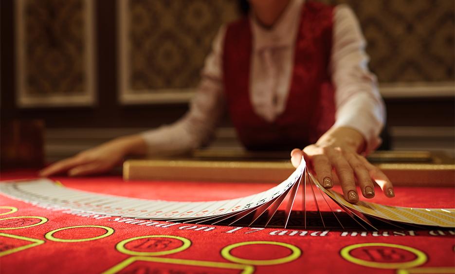 Як правильно грати в покер?